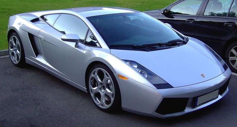 Lamborghini Gallardo silver 800x428 Driving a Compact Down Wall Street