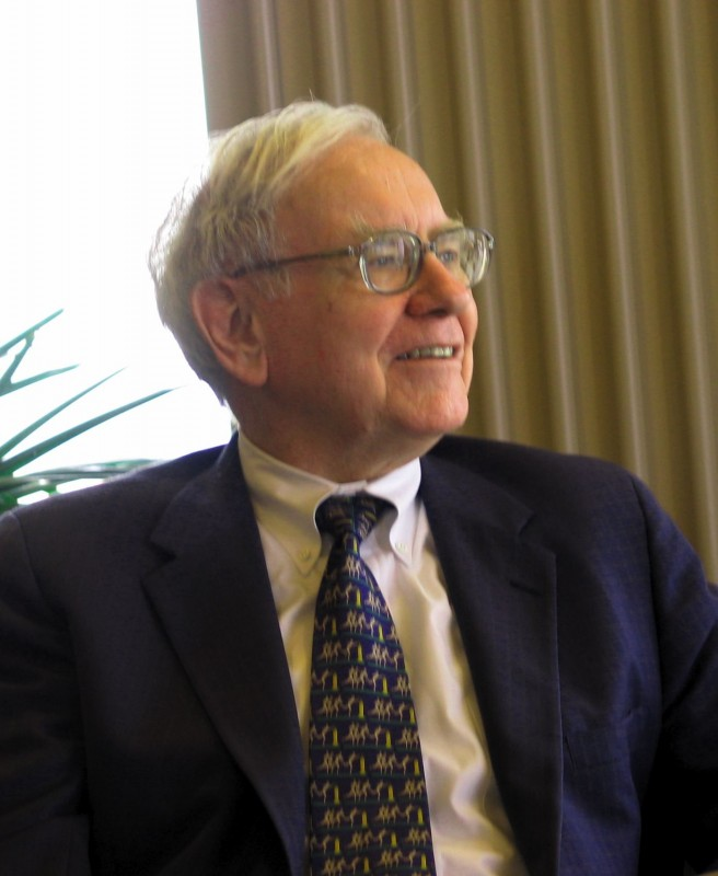 Warren Buffett KU Visit1 656x800 Are Great Money Managers Great, or Just Lucky?