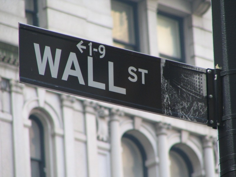 Wall Street Sign 800x600 Retirement: Second Place Wins The Race
